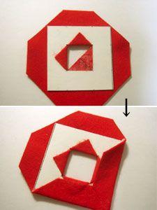 フェルトで台紙を包みます。 まず、窓の部分のフェルトを折り返して、ボンドで貼り付けます。(写真上) 次に、周囲も包み、ボンドで貼っていきます。(写真下)