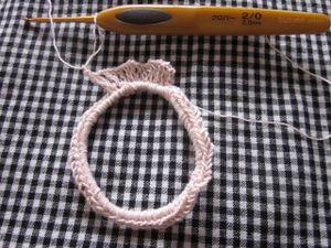 いつものごとく 笑 輪にしたゴムに2本取りで細編み ゴムは緩めで細編みはきちんと 4の倍数で60-72目で 子供は小さめのゴムで44-52