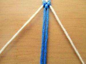 14cm編んだら、3束に分けます。 5cm三つ編みをします。