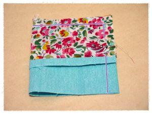 縫い代1㎝で、上と縦を縫います。縦は、返し口を真ん中あたりにあけておいてください。